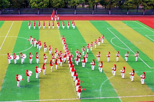 鼓号队演奏的曲目共三首:《出旗曲》,《中国少年先锋队队歌》,《退旗
